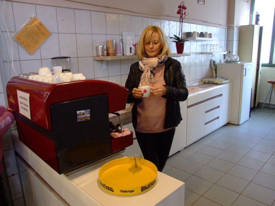 Új formában a régi vendégkört is várja Mónika Kávézója a Piaccsarnokban