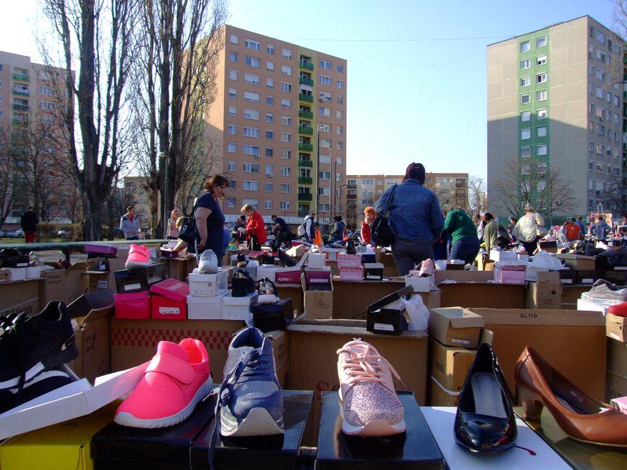 Óriási választék és óriási érdeklődés a széchenyivárosi vásárokban